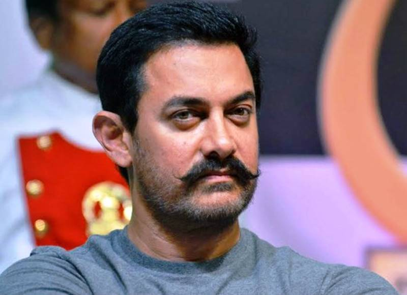 Mr. Perfectionist Aamir Khan signs his next movie after Dangal | Details Inside