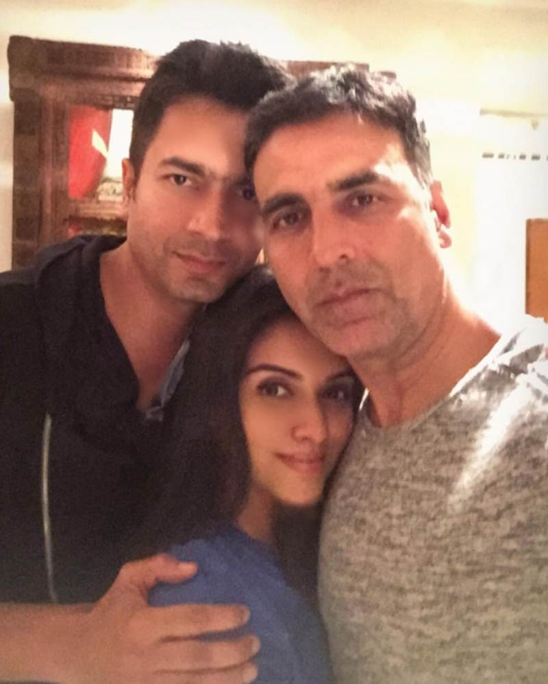 Top 10 Pics of the Week | April begins with a big blast from Bollywood- Asin Akki Rahul
