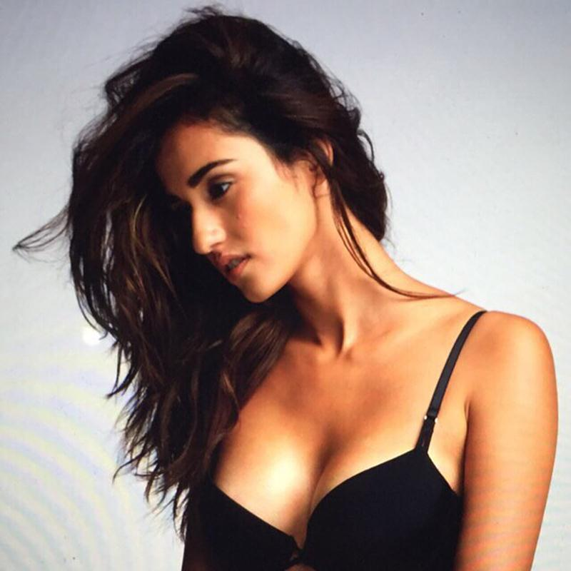 These 15 Hot Pics of Disha Patani prove what a Bombshell she is!- Disha beach body 2
