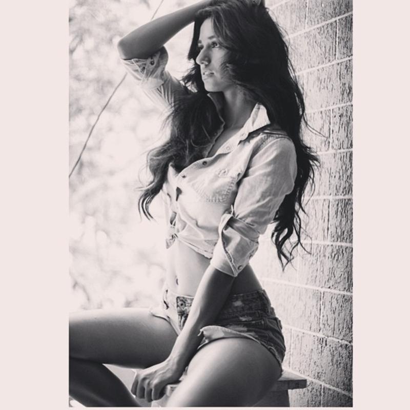 These 15 Hot Pics of Disha Patani prove what a Bombshell she is!- Disha Posing