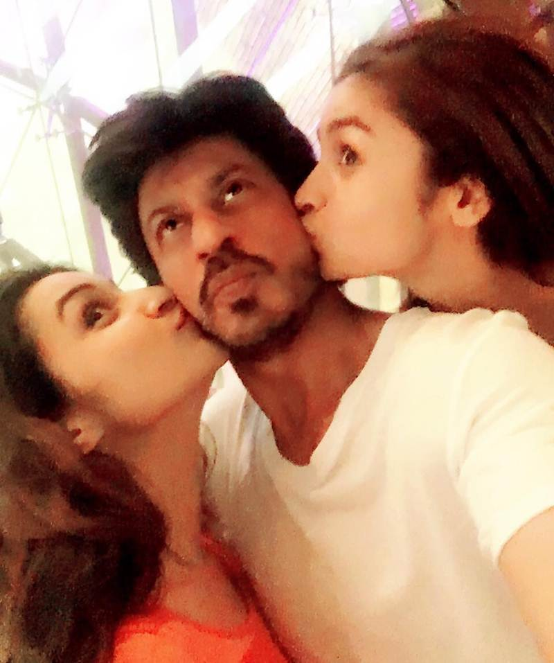Top 10 Pics of the Week | Best of them all- Pari, Alia SRK