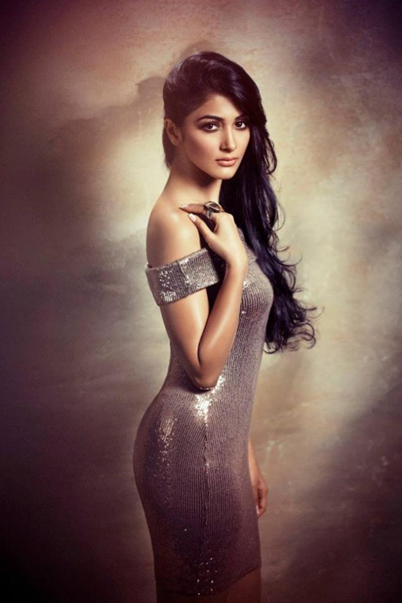 15 Stunning Never-Seen-Before Pictures of Pooja Hegde: The Mohenjo Daro Girl- Pooja Glitter