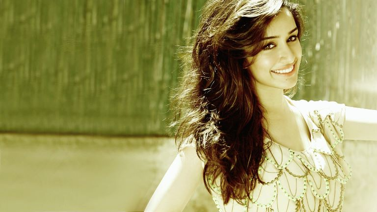 Know More About The Relationship Status Of Shraddha Kapoor