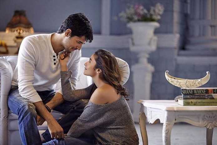 Love Birds Sidharth Malhotra and Alia Bhatt to romance with each other in Aashiqui 3!