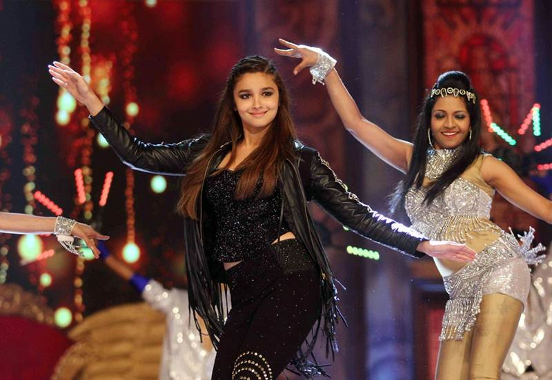 Poll of the Day | Who is the best female dancer in Bollywood?- Alia Dancing