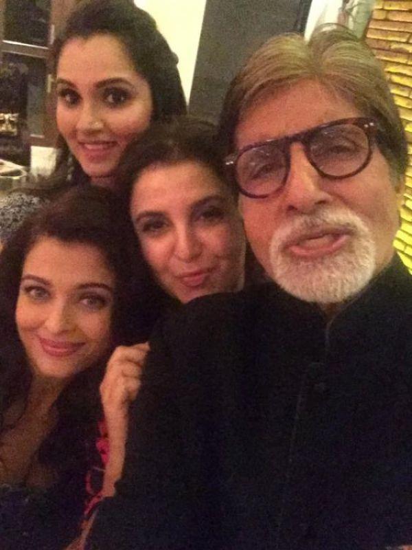 Amitabh took selfie with Aish and Farah