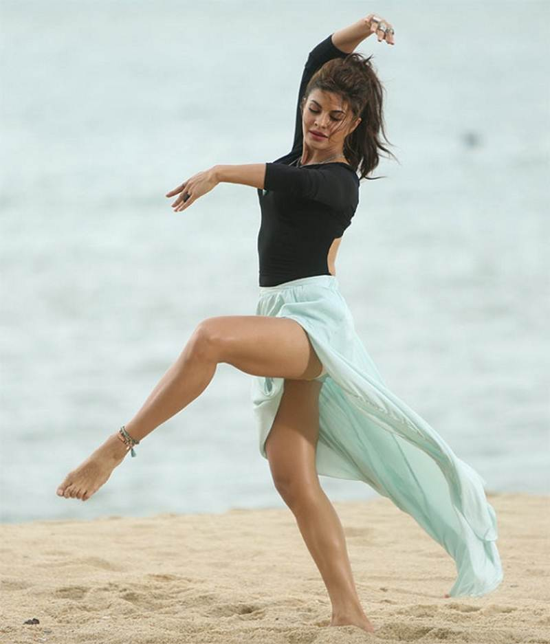 Poll of the Day | Who is the best female dancer in Bollywood?- Jacqueline Dancing