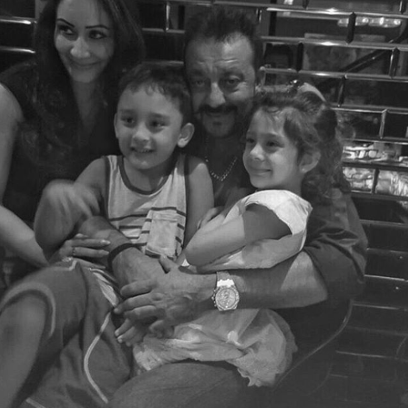 Top 10 Pictures of the Week | 23-May-2016 to 29-May-2016- Sanjay and family