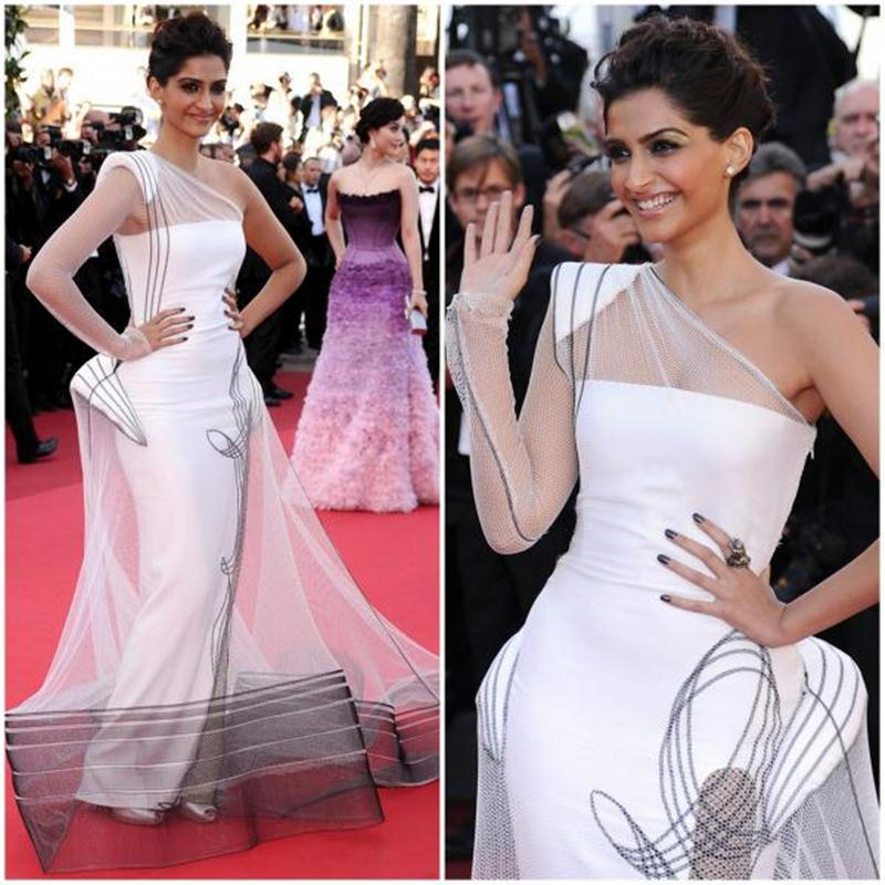 Aishwarya Rai Bachchan and Sonam Kapoor's various looks at Cannes over the years- Sonam 2011 1