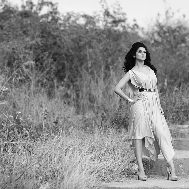 10 Hot Pictures of Jennifer Winget, who is going to make her Bollywood debut soon!- Jennifer Pose
