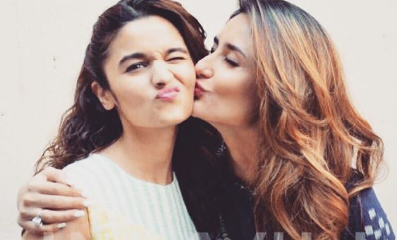 Top 10 Bollywood Pictures of The Week | 19-June-2016 to 25-June-2016- Kareena kissing Alia