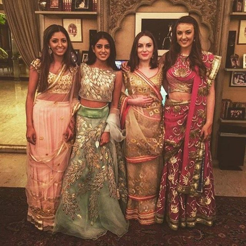 Top 10 Bollywood Pictures of the Week | 12-June-2016 to 18-June-2016- Navya and friends