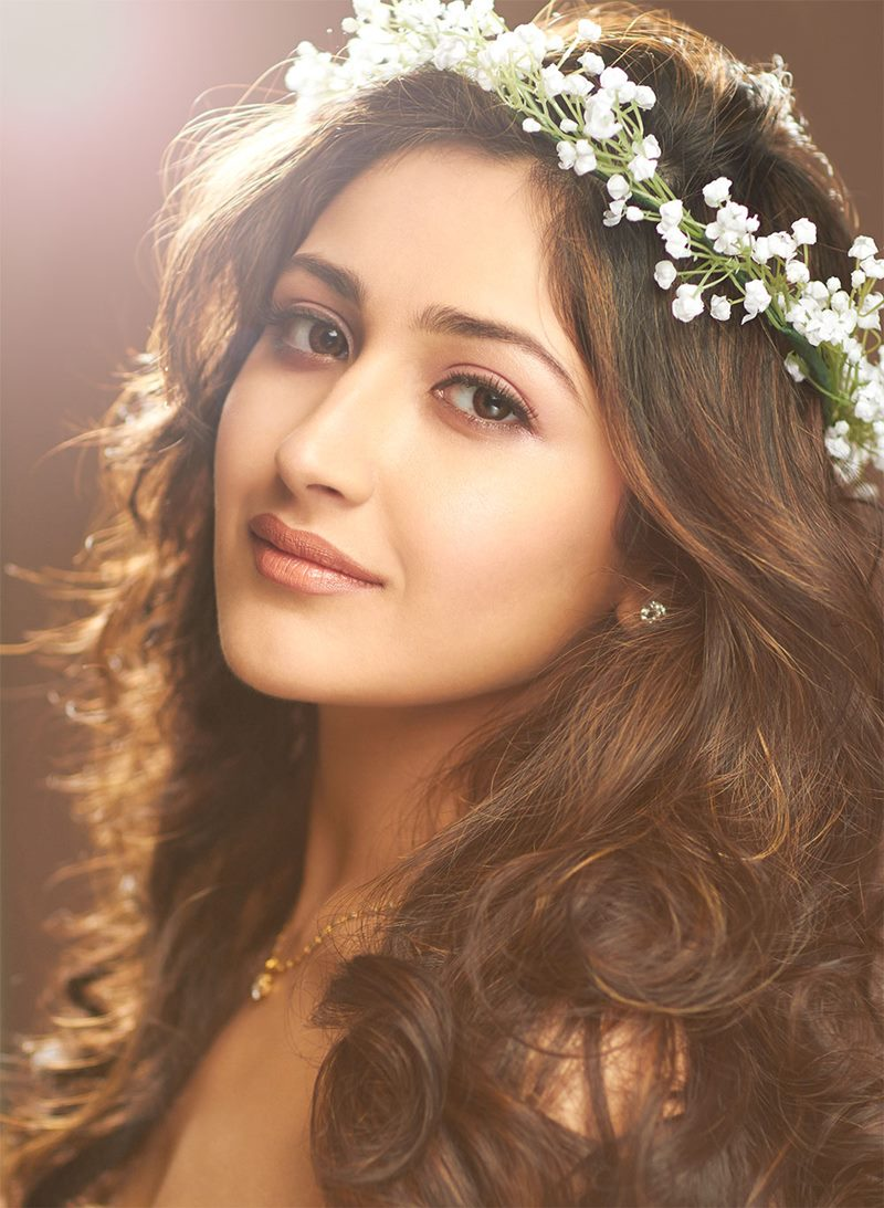 15 Stunning Pictures of Sayyeshaa, the leading lady of Shivaay- Sayyeshaa 2