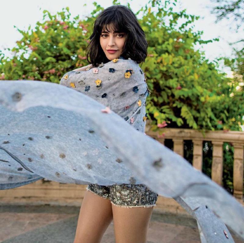 Funky Chunky Shruti Haasan looks chic on Femina India cover- Shruti Femina 2