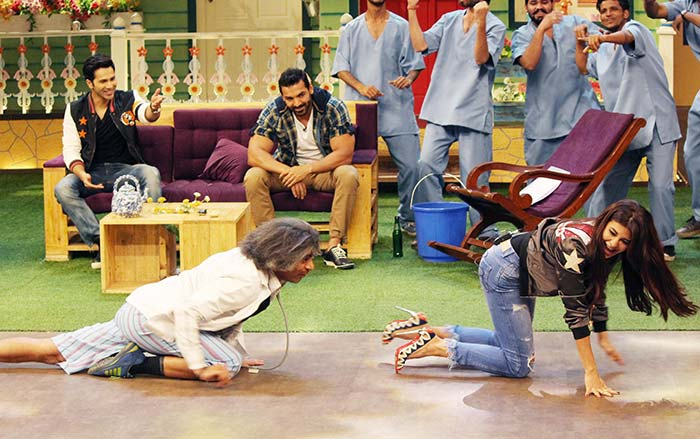 Jacqueline with Sunil Grover on TKSS