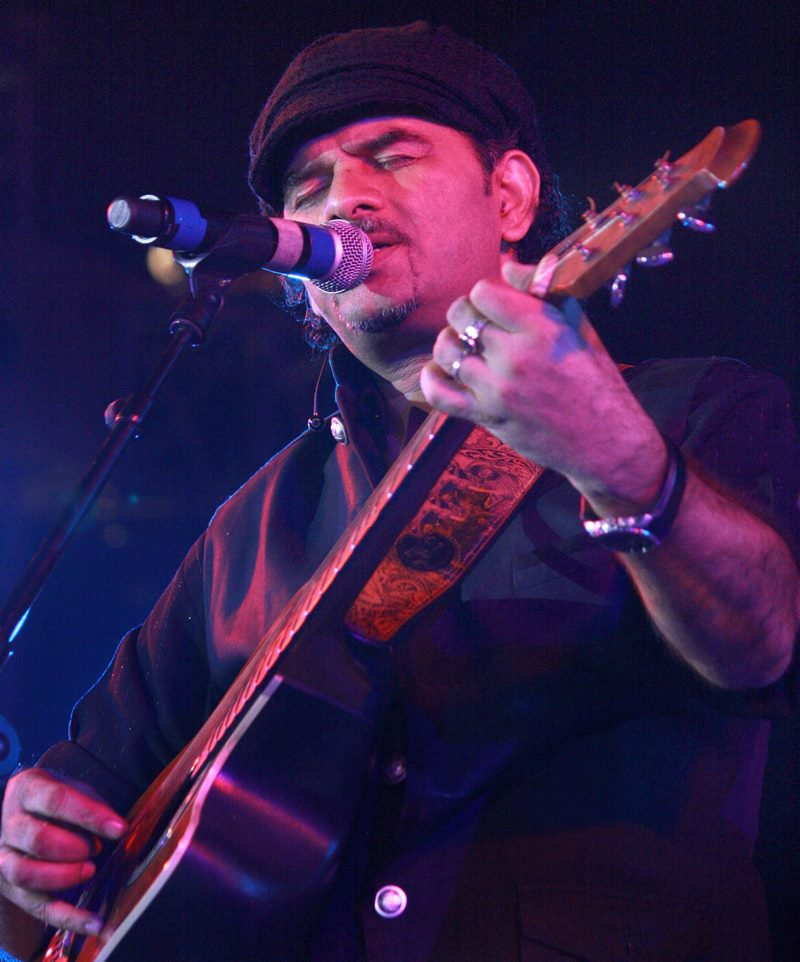 Poll of the Day   Which male singer's voice is the best for romantic songs?- Mohit Chauhan