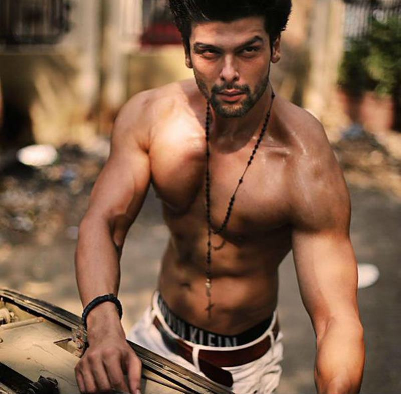 10 TV Hunks that need to make their Bollywood Debut now!- Kushal Tandon