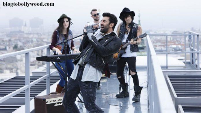 Ranbir Kapoor is the rockstar in the latest still of Bulleya Song