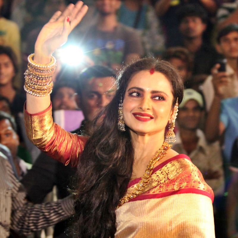 10 Veteran Bollywood Actresses who deserve all the respect in the world- Rekha