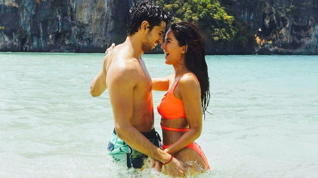Sid and Kat in Baar Baar Dekho