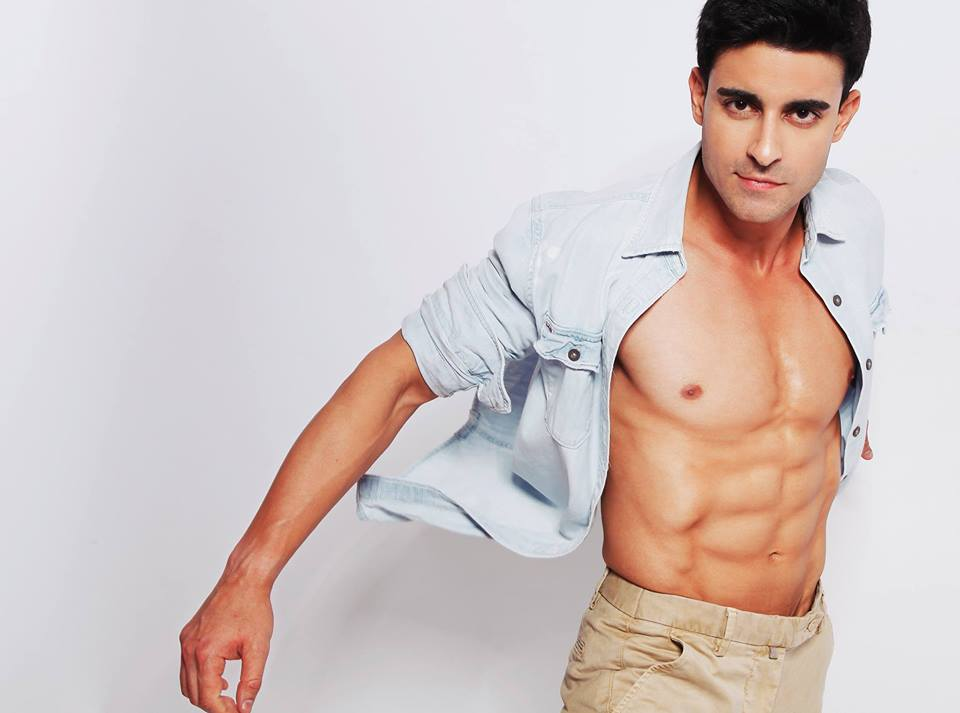 15 Hot Pics of Gautam Rode, one of the hottest hunks of Indian Television-Gautam shirt 2