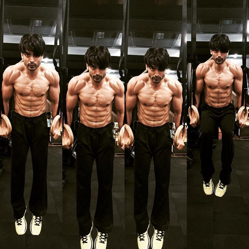 15 Hot Pics of Gurmeet Choudhary that are enough to set fire on your screens- Gurmeet Gym 3