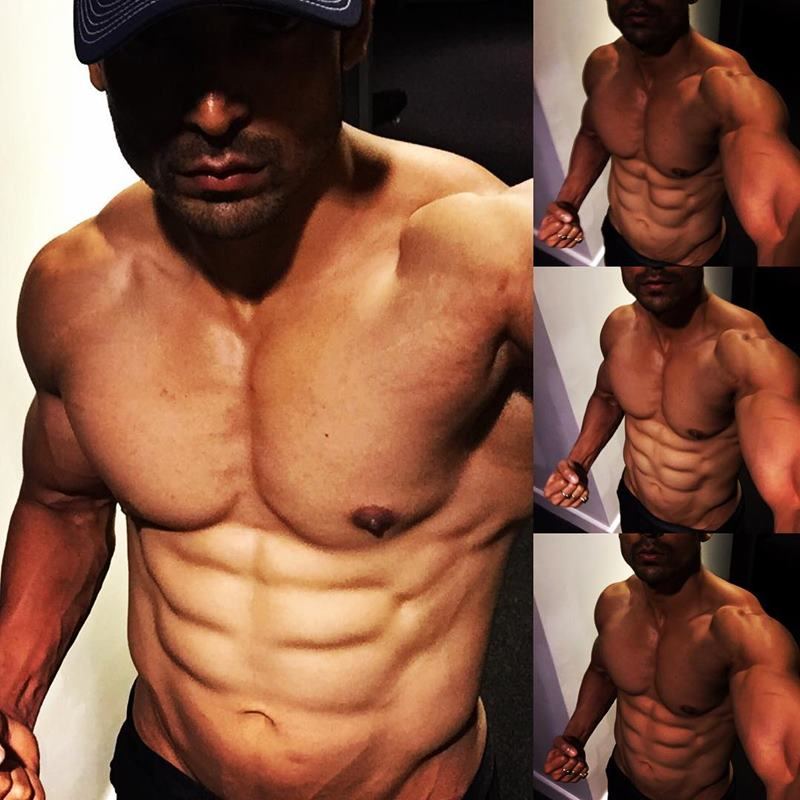 15 Hot Pics of Gurmeet Choudhary that are enough to set fire on your screens- Gurmeet Selfie 4