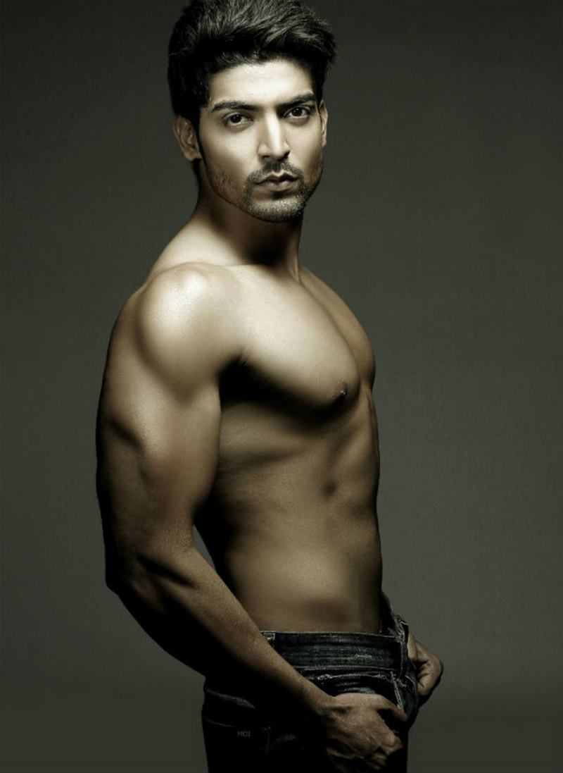 15 Hot Pics of Gurmeet Choudhary that are enough to set fire on your screens- Gurmeet Shoot 3