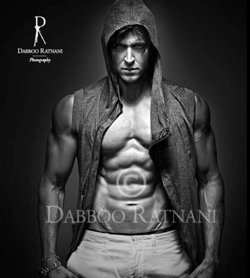 10 Hot Pics of Hrithik Roshan that will get the temperature soaring instantaneously!- Hrithik Dabboo