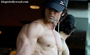 10 Hot Pics of Hrithik Roshan that will get the temperature soaring instantaneously!