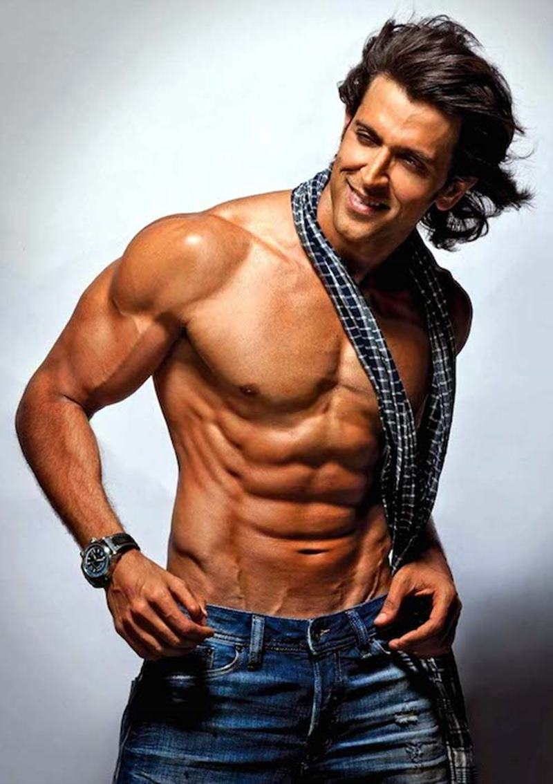 10 Hot Pics of Hrithik Roshan that will get the temperature soaring instantaneously!- Hrithik Scarf