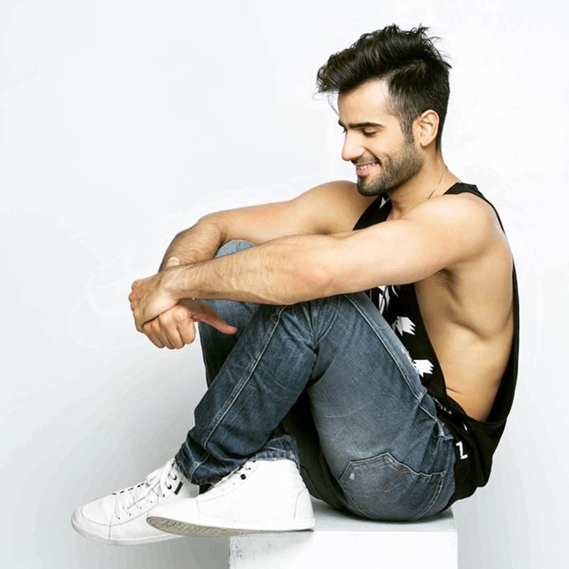 15 Pictures of Karan Tacker that will make your day brighter than it already is!- Karan Side