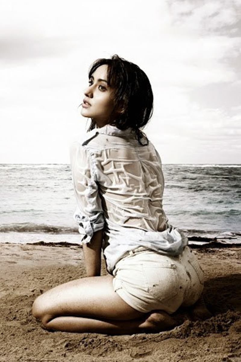 15 Hot Pics of Neha Sharma that are proof enough of her uber hotness!- Neha Beach 2