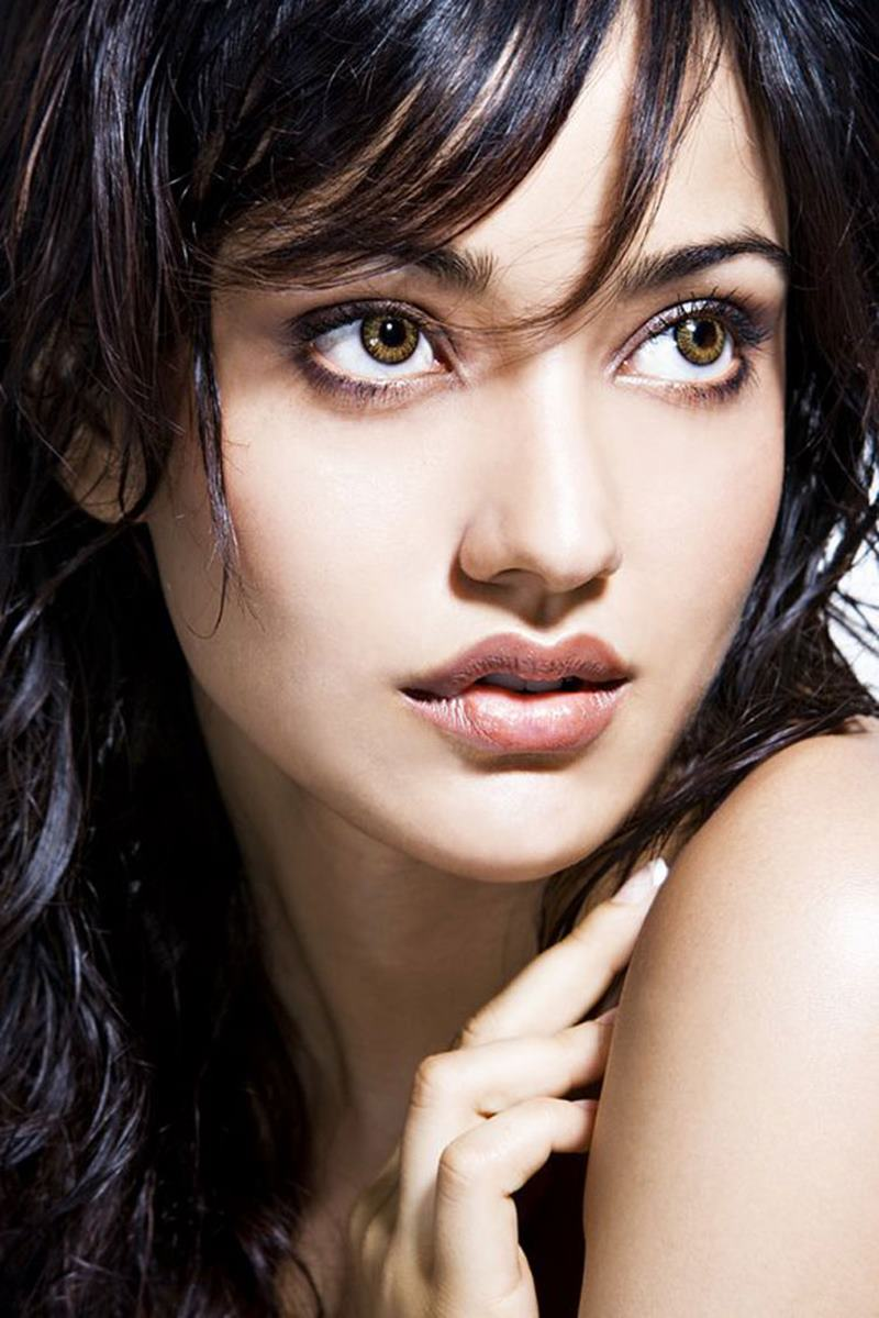 Who is the Cutest Bollywood Actress? | Cast your votes now!- Neha