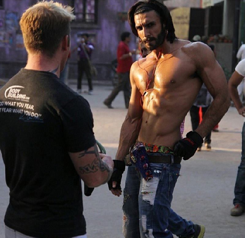 10 Hot Pics of Ranveer Singh that are as abalicious as it can get!- Ranveer Old Pic
