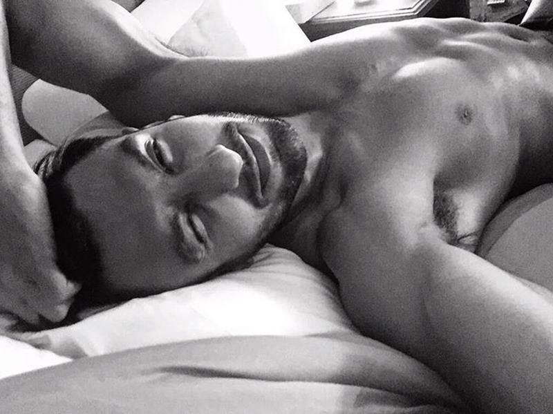 10 Hot Pics of Ranveer Singh that are as abalicious as it can get!- Ranveer Selfie