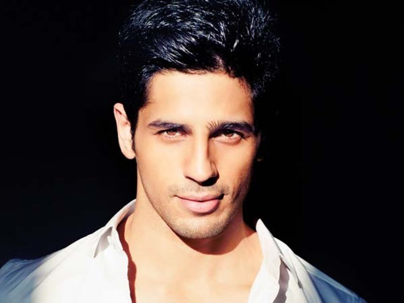 Hurry Up! Vote for the Cutest Bollywood Actor now!- Sidharth