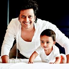 Riteish Deshmukh with first son Riaan Deshmukh