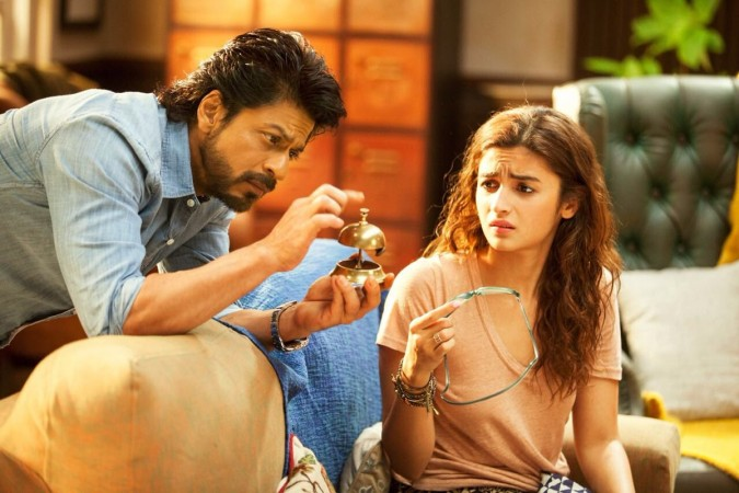 Official Box Office Report: Dear Zindagi 2nd Day Collection, Occupancy Report