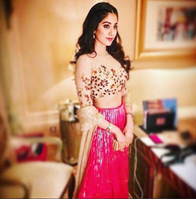 Jhanvi Kapoor Hot Pics 6