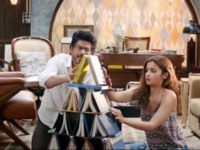 Alia and SRK delivered superb performances in Dear Zindagi