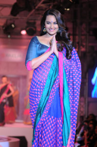 Bollywood actresses in sarees: Sonakshi