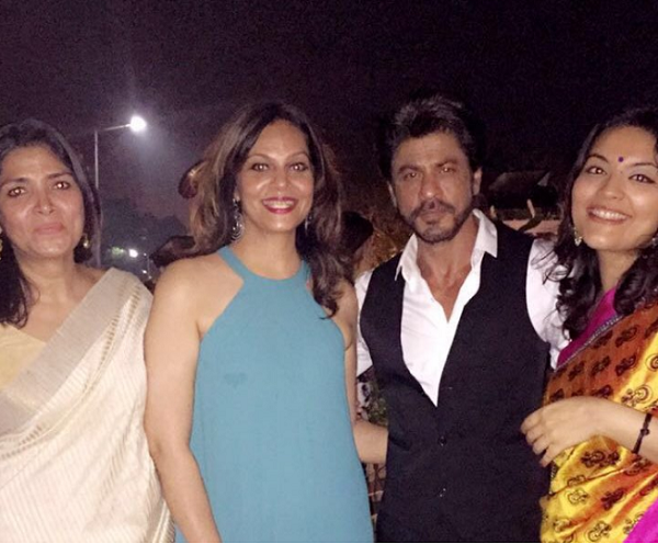 Ladies man Shah Rukh Khan at the bash