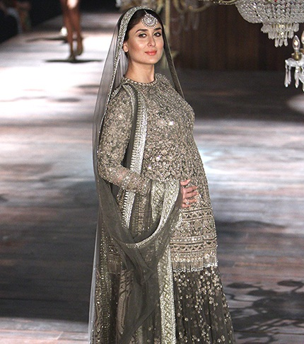 Top 10 Kareena Kapoor's pregnancy outfits -  Kareena in Sabyasachi