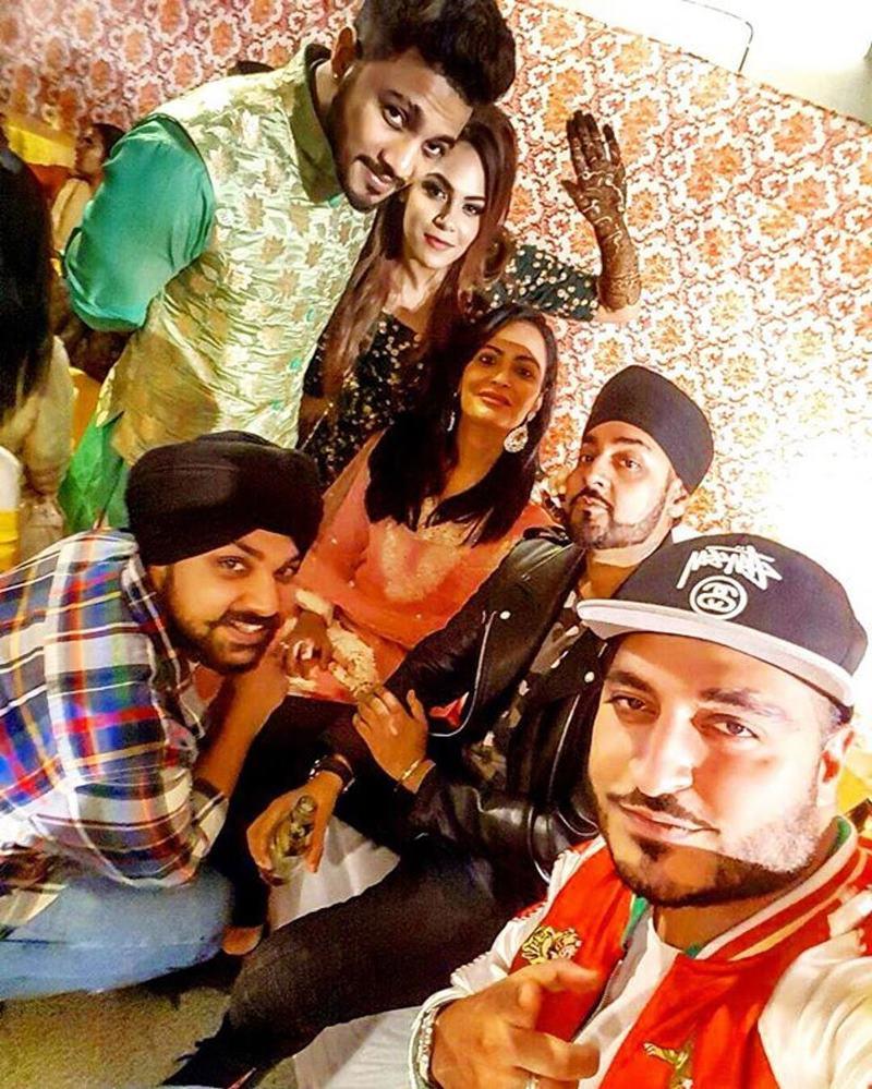 Pictures Inside | The wedding season continues with Raftaar-Komal Vohra's wedding!- Raftaar-Komal 9