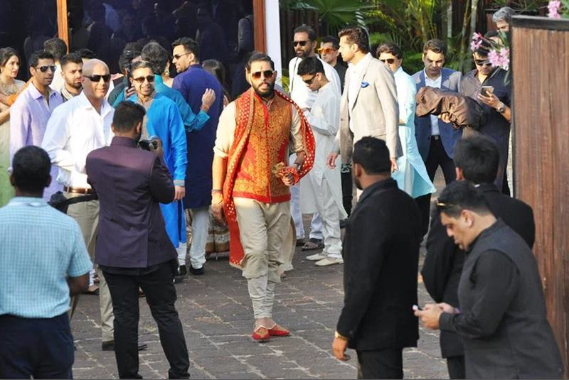 Yuvraj Singh-Hazel Keech's wedding was a grand event, these pictures are proof of it!- Yuvi-Hazel 10