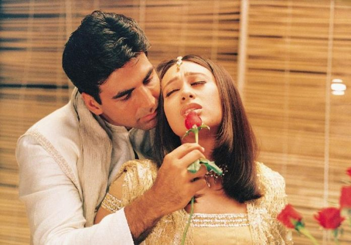 Co-actresses Akshay Kumar looks best with!- Akki Karisma