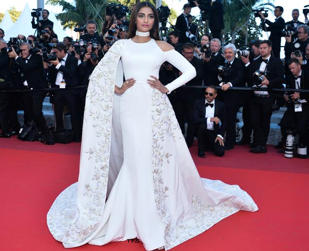 International red carpet appearances by Bollywood actresses: Sonam