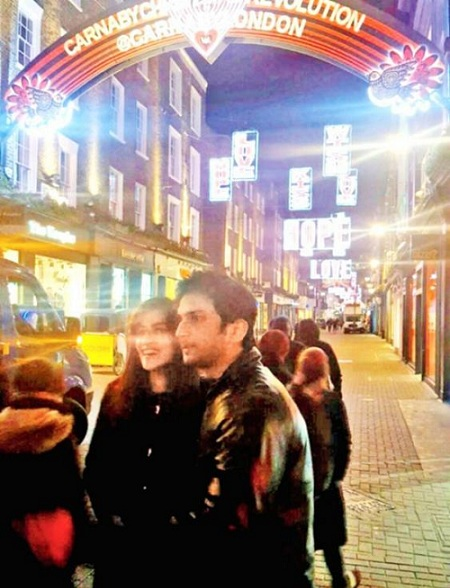 Pic 2: Sushant Singh Rajput And Kriti Sanon's Growing Friendship