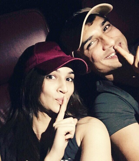 Pic 4: Sushant Singh Rajput And Kriti Sanon's Growing Friendship